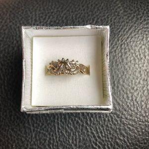 Size 6.5  14k ring with 28 diamonds(real diamonds)